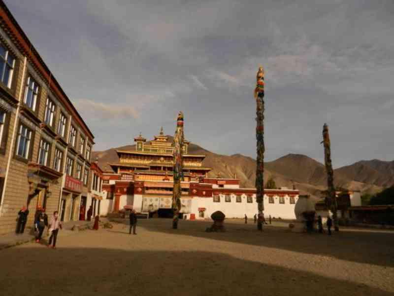 Oldest Tibetan Monastery Sings